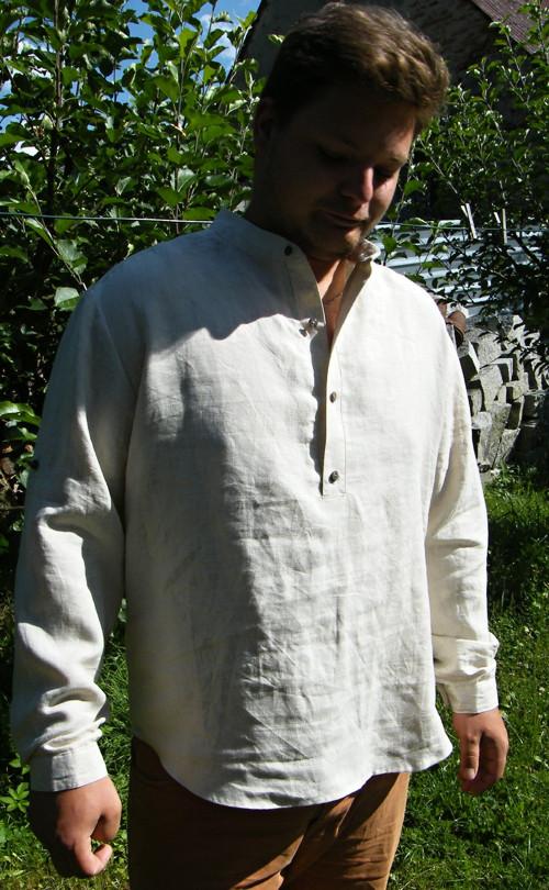 Lněná košile Štěpán - zapínání na  knoflíky.