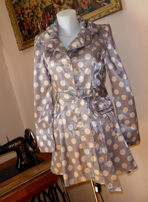 Puntíkatý kabátek s hedvábným leskem, SLEVA