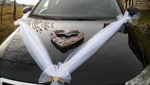 Svatební výzdoba- šerpa do V s jutou a krajkou...