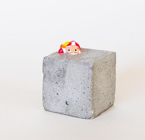 Trpaslík Thalassa v betonové kostce #6
