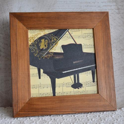 Piano (barva rámečku na přání)