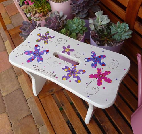 dřevěné štokrle -  bílé s květy