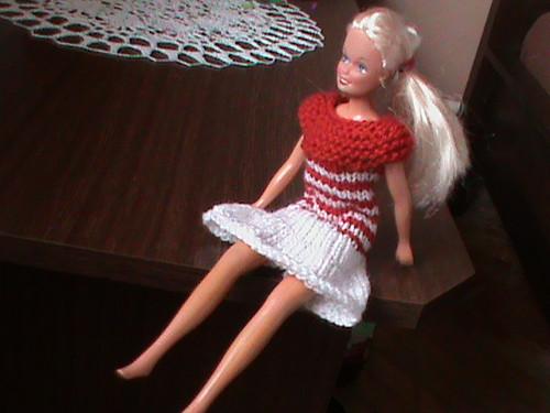 šatičky pro barbie-červenobílé
