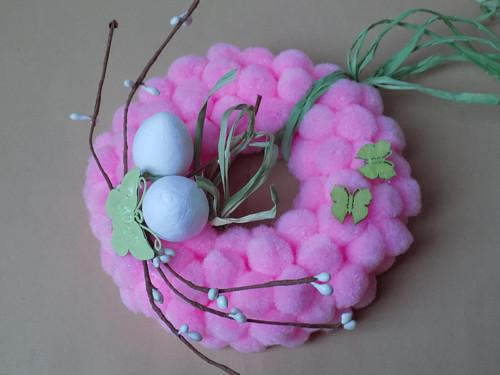 Jarní bambulkový věneček