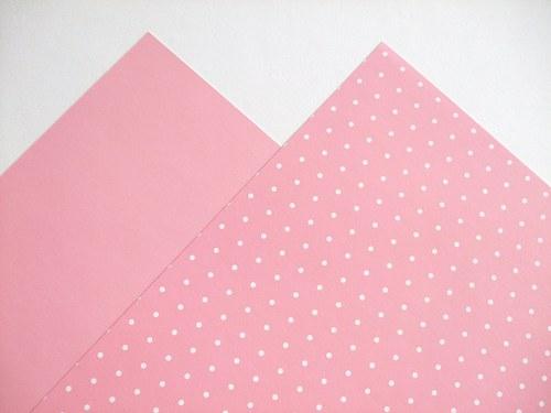 Karton růžový puntíkovaný