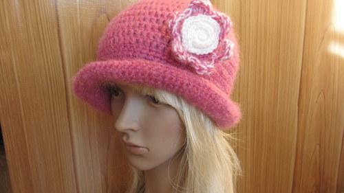 Růžová zima - klobouk