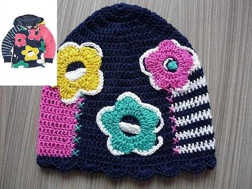 Háčkovaná patchwork čepička s kytičkami