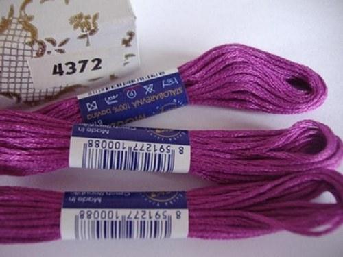 Vyšívací příze mouline - fialová