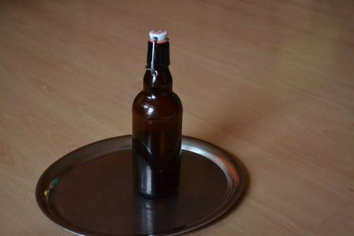 Pivní flaška s patentním uzávěrem