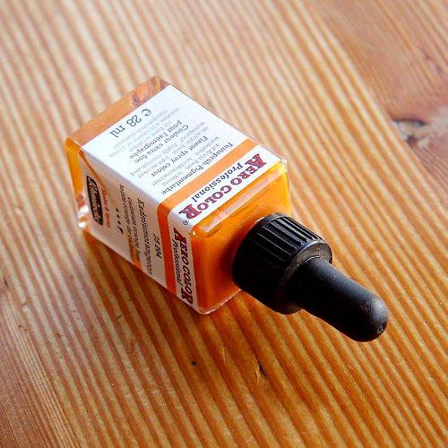 Akrylová barva - tmavě oranžová