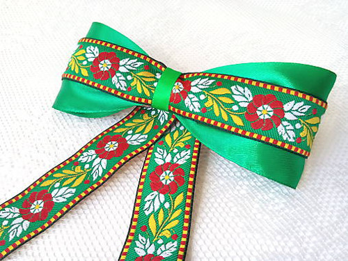 Back to folklore...hair clip (green)
