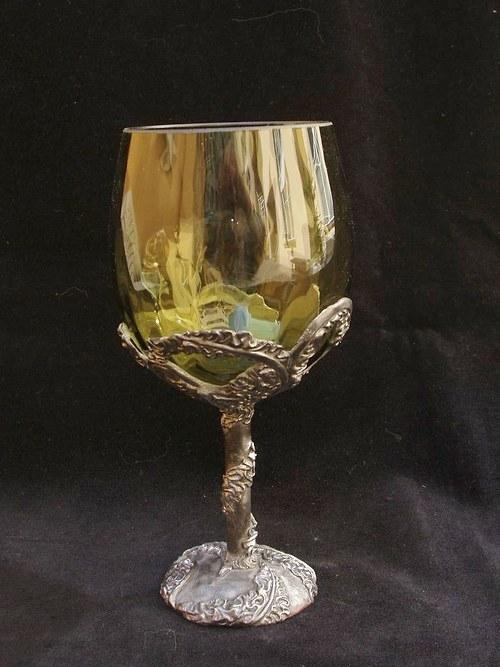 sklenice na víno - s motivem květiny z plamenů