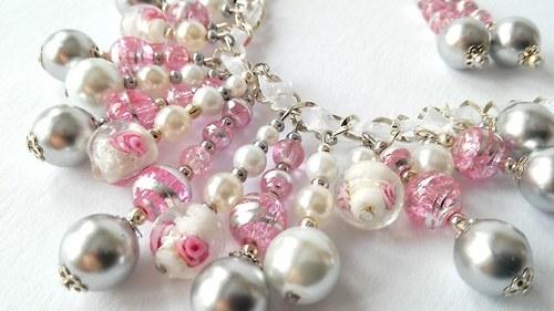 Náhrdelník s perel korálků a vinutých perel