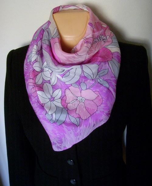 Velký hedvábný šátek--magnólie,lotos,chryzantéma 2