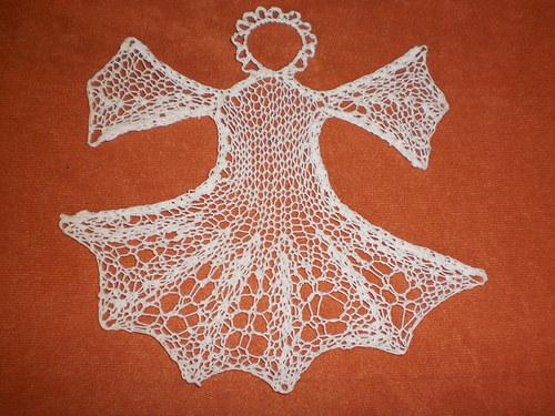pletený andílek - vánoční dekorace