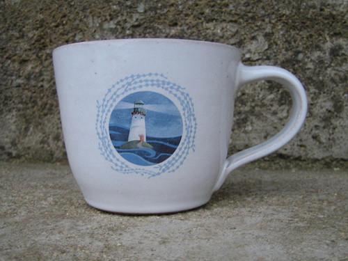 Hrnek  s motivem moře - maják Faros