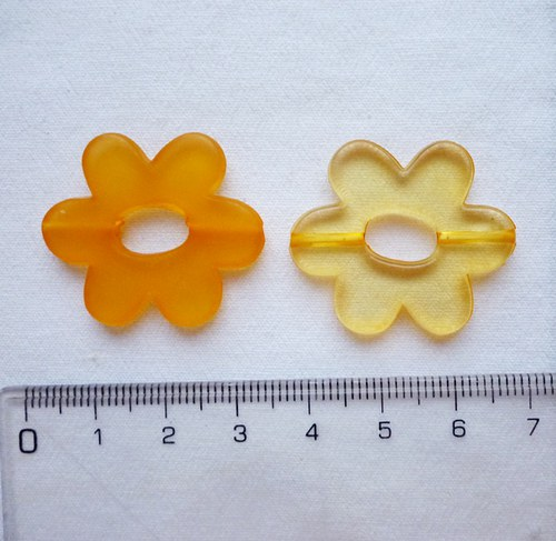 Oranžová plastová květinka (2 kusy)
