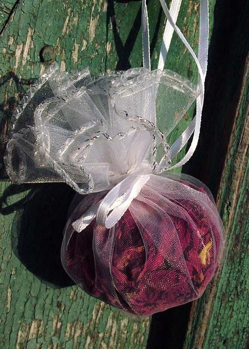 bylinkový pytlíček pro letní noc - růže