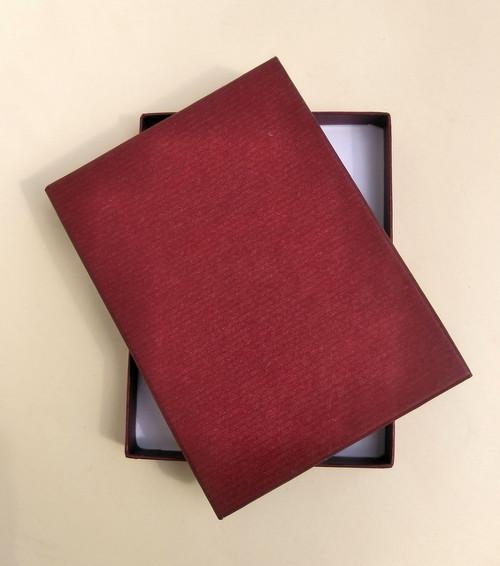 krabička HONZA - tmavě červená