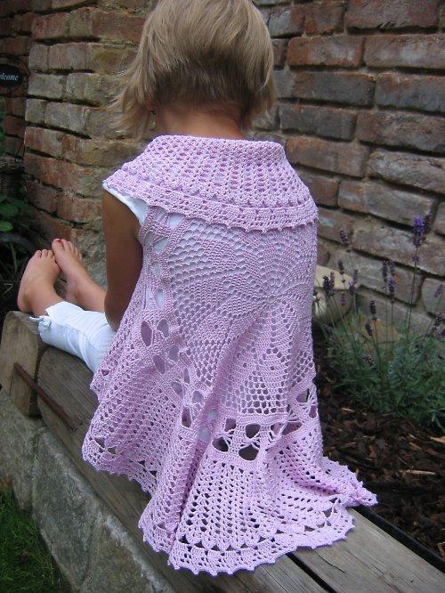 Háčkovaná tunika pro malé princezny