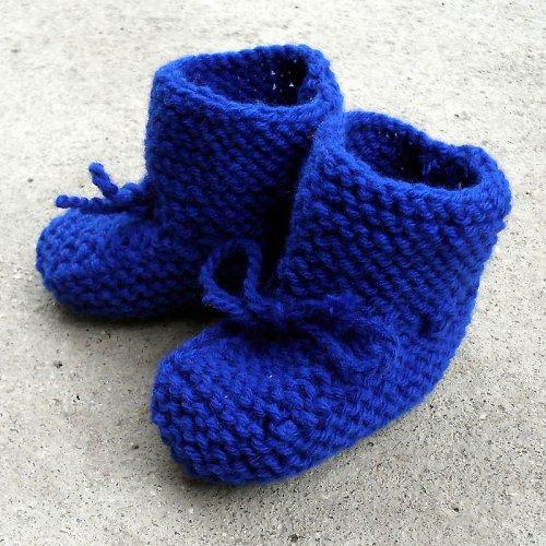 Modré pletené capáčky