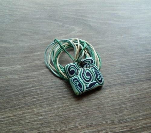 Čtvercový náhrdelník