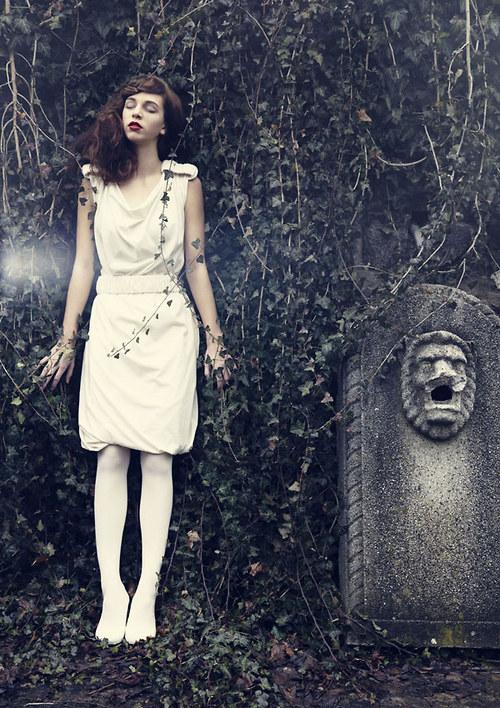 Béžové šaty Mist
