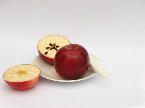 Červená jablíčka