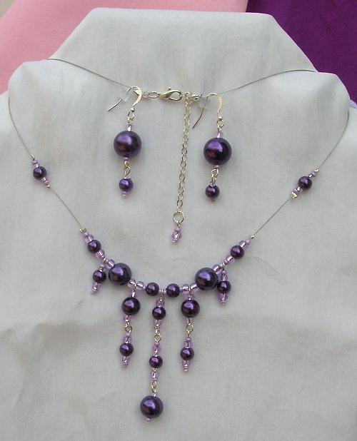 Fialová perleť (62)