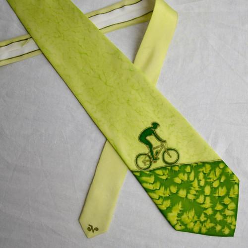 Kravata s cyklistou jedoucím dolů, zelenožlutá