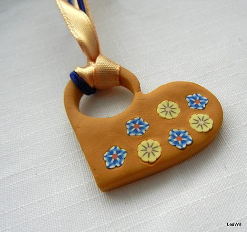 Perníkové květinky - náhrdelník srdce