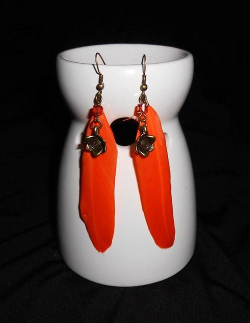 Náušnice peříčka - s kytičkou- oranžové