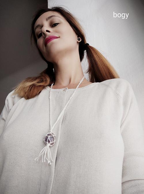 bavlněný náhrdelník s ametystem