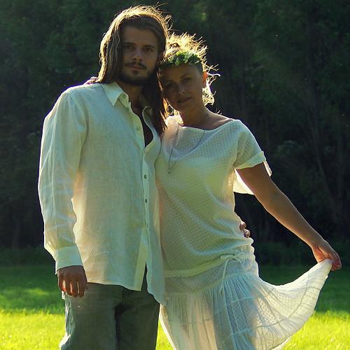 Rozptýleni pod slunečními paprsky... - šaty