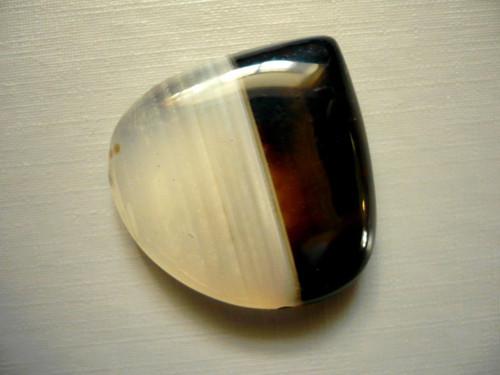 Kabošon - onyx 33 mm, č.20w