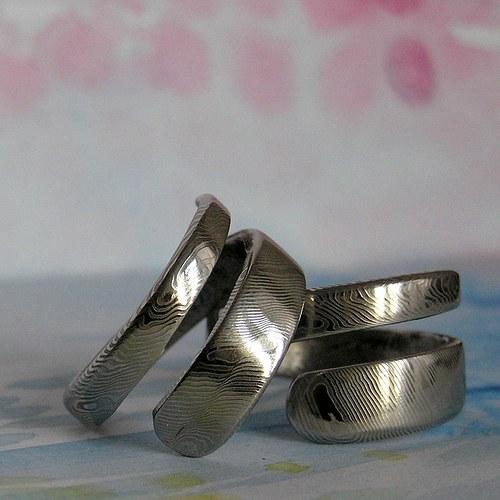Prsteny Damasteel jemné šikmé proužky