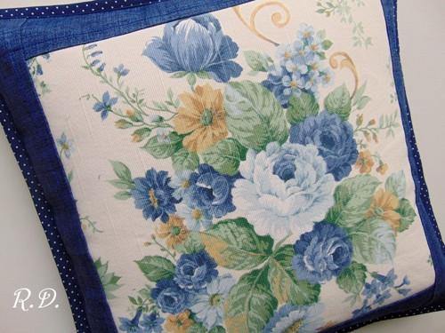 Modrá kytice ... povlak na polštář /40 x 40 cm/