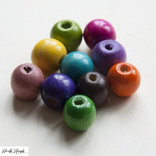 pestrofarebné drevené korálky 16 mm - 10 ks
