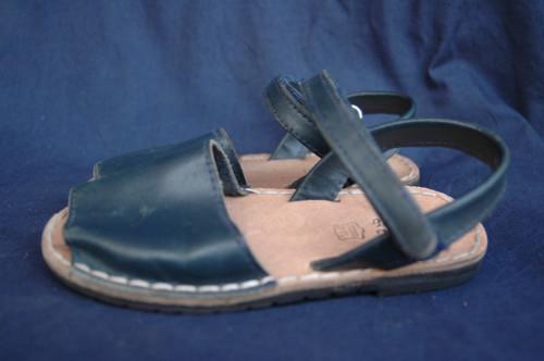 dívčí celokožené sandály vel. 28
