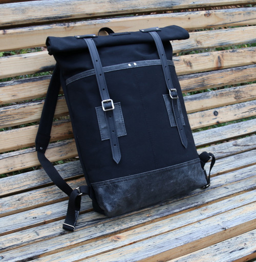 Canvas bag in black and black
