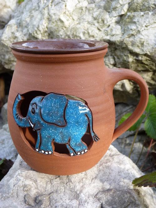 Aromka V Kdo uvidí modrého slona, vyhrál!
