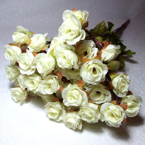Trs drobných růžiček - krémové