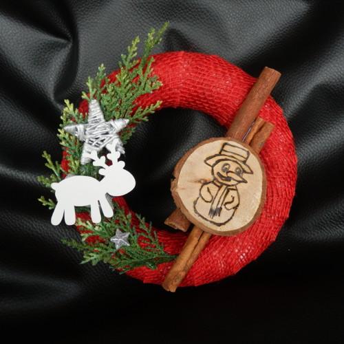 Vánoční věnec sněhulák a sob