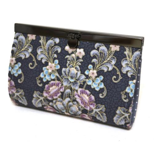 KVĚTY NA ŠEDÉ  -  rámečková peněženka 15 cm