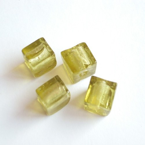 Olivové kostky se stříbrným středem 10mm/4ks