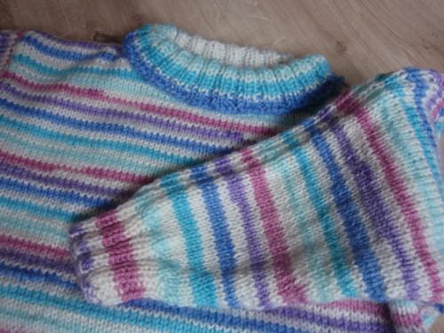 Pletený svetřík žíhaný