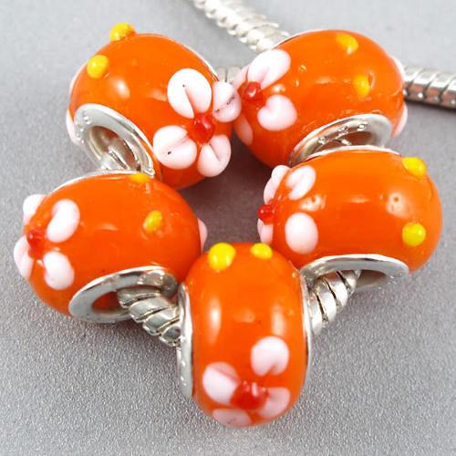 oranžový korálek kytička
