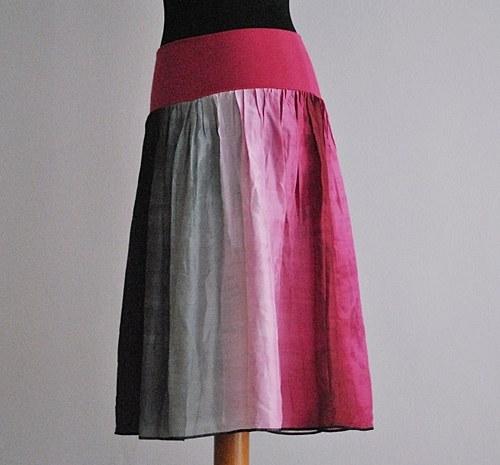 Chuť červeného vína :-) hedvábná sukně
