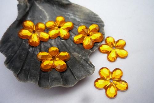 plastové kytičky 20 ks-  č. 17 žluto oranžové
