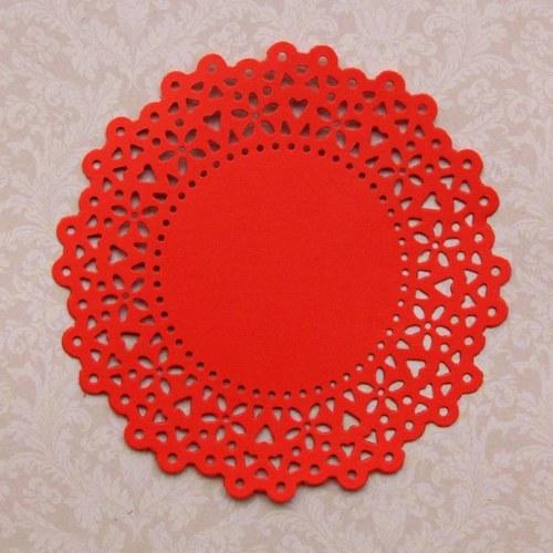 Rozeta krajková se srdíčky 11,6 cm